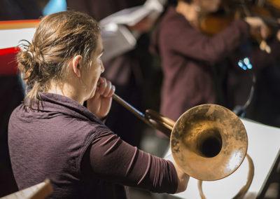 Anneke Scott, horn (credit Nick Rutter)